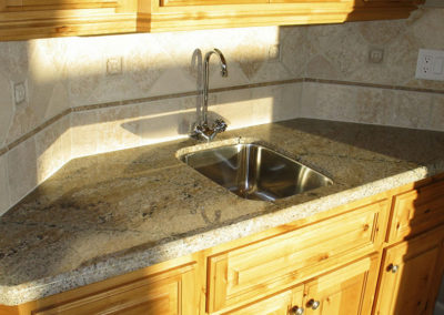 Demi Bullnose Edge Detail with Undermount Sink